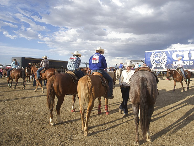 High school rodeo contestants