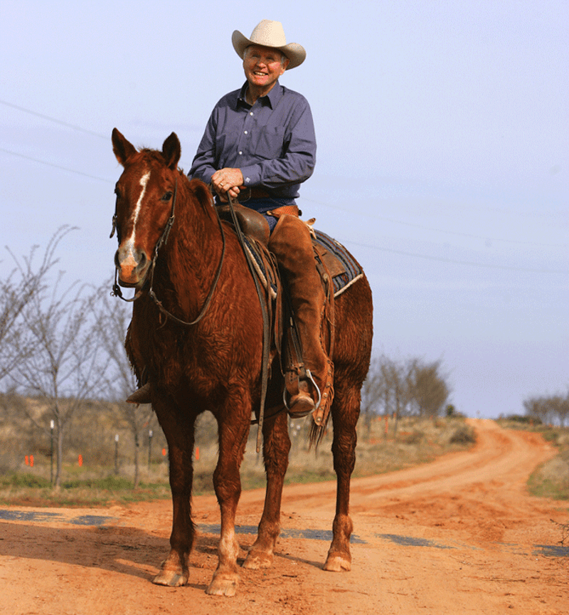 Buster Welch riding his gelding enchilada