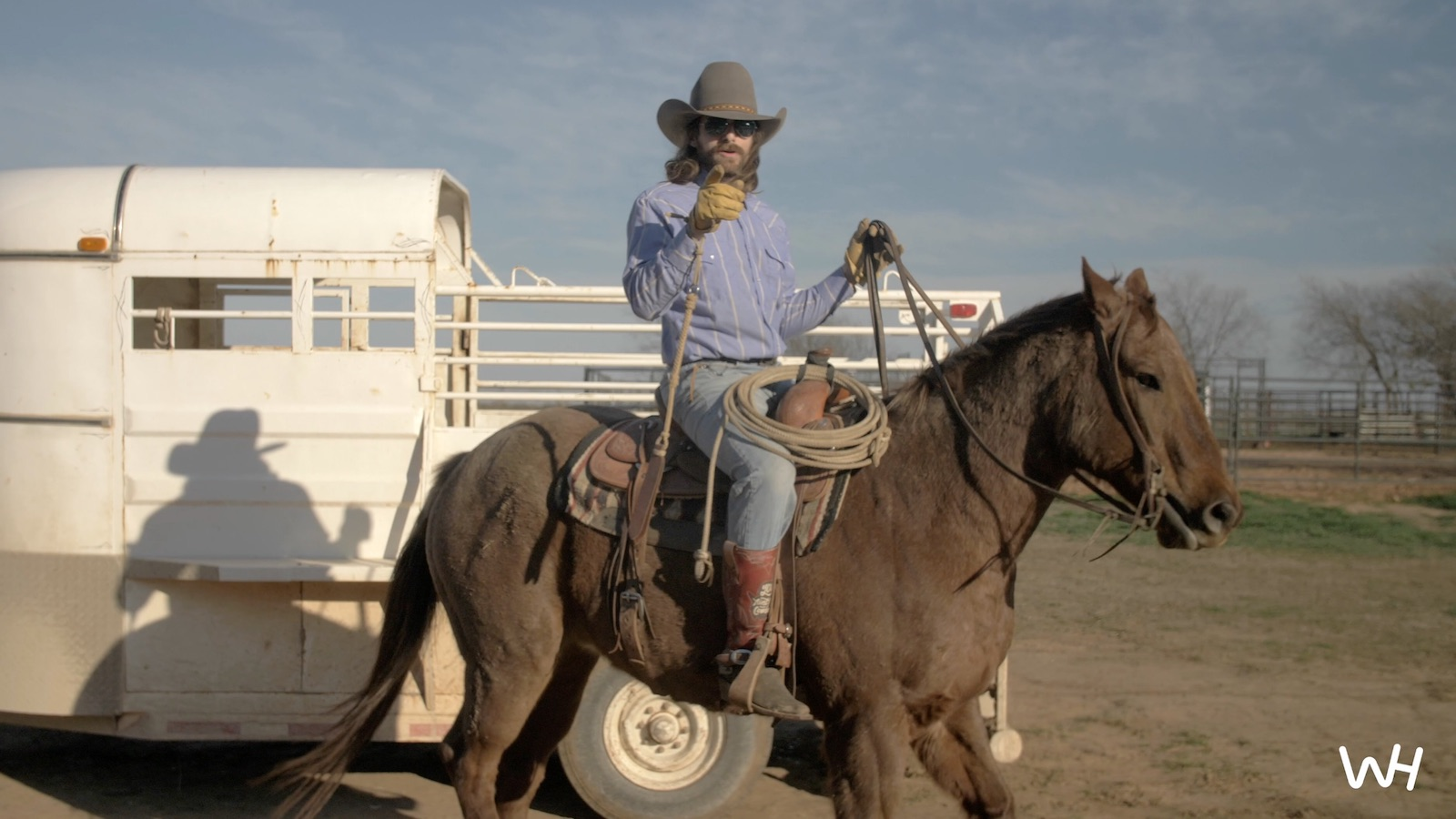 Dale Brisby showing how to load a horse into a trailer
