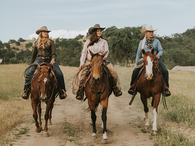 Mane n Tail cowgirls