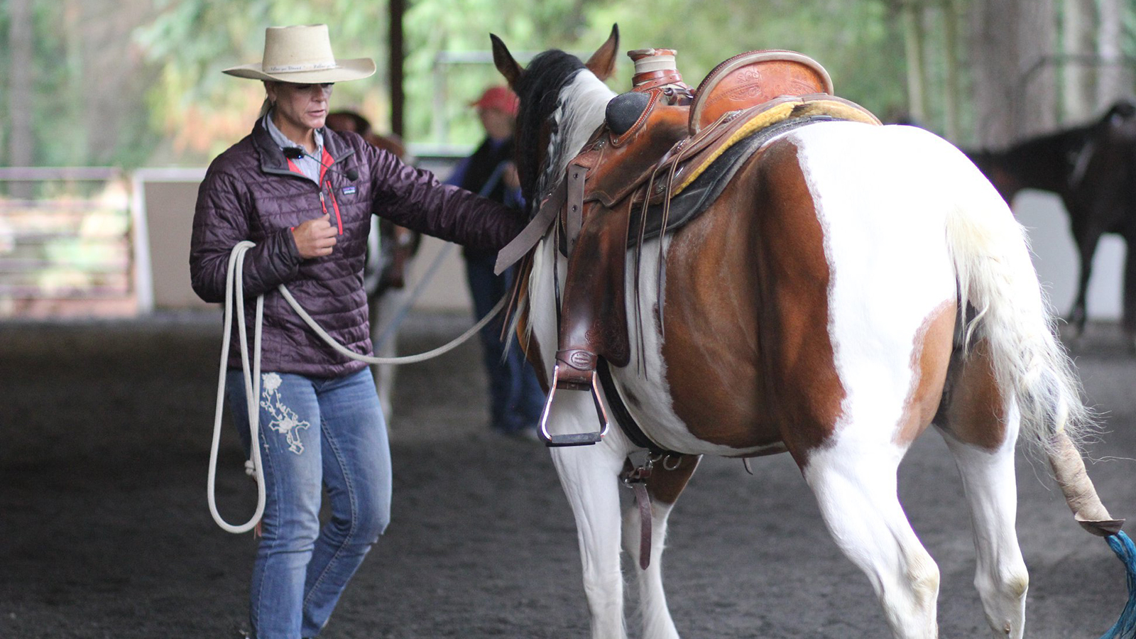 Rancher and clinician Trina Morris shares a tip for orally medicating horses.